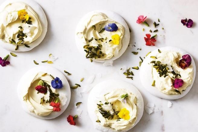 egg-free-meringue-39737-1